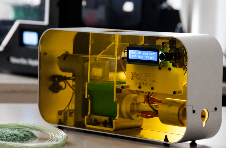 Felfil-Evo-filament-extruder